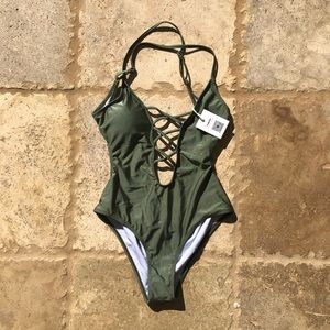 Cupshe NWT Size M Olive Green One Piece Open Back
